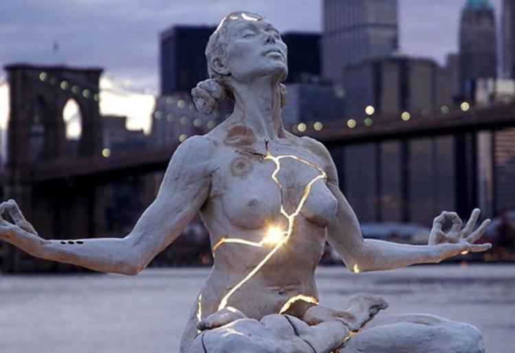 Самые впечатляющие и необычные памятники и скульптуры мира, 40 фото