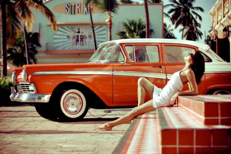 Retro foto krasivyye devushki i krutyye avto
