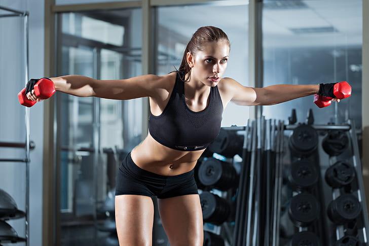 Спортивные и красивые: 30 фото девушек из спортзала
